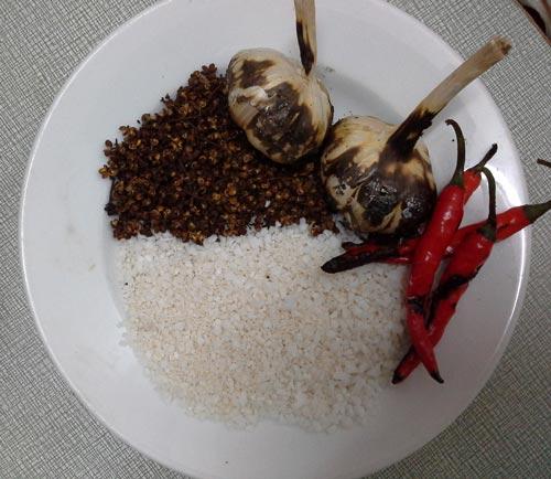 Mắc khén là một trong những nguyên liệu làm nên món Chẩm chéo